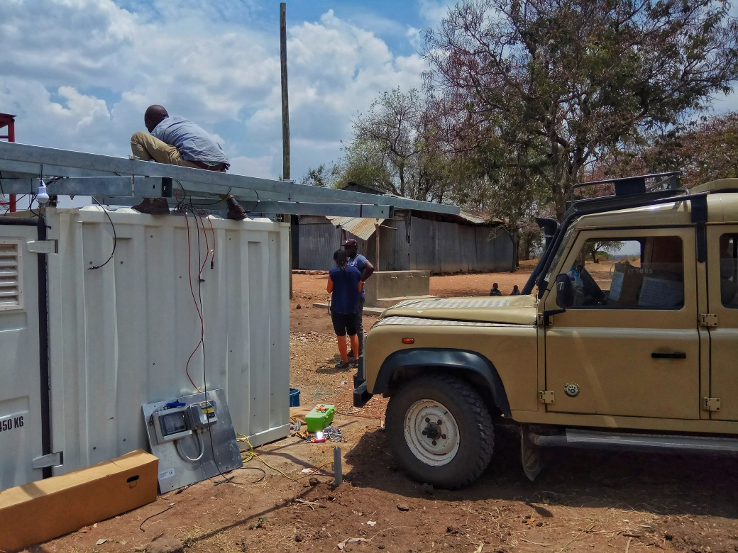 The Landrover in position under the Solar Panel frame to act as a ladder